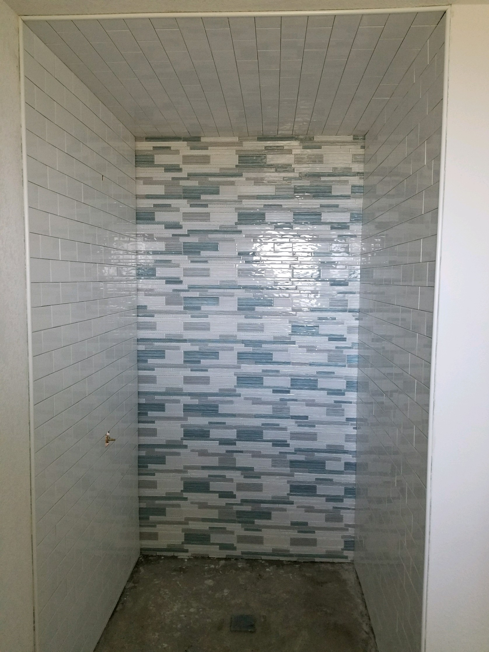 help what color should i paint my bathroom walls  mr